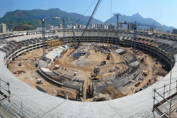 Stade Maracana en construction