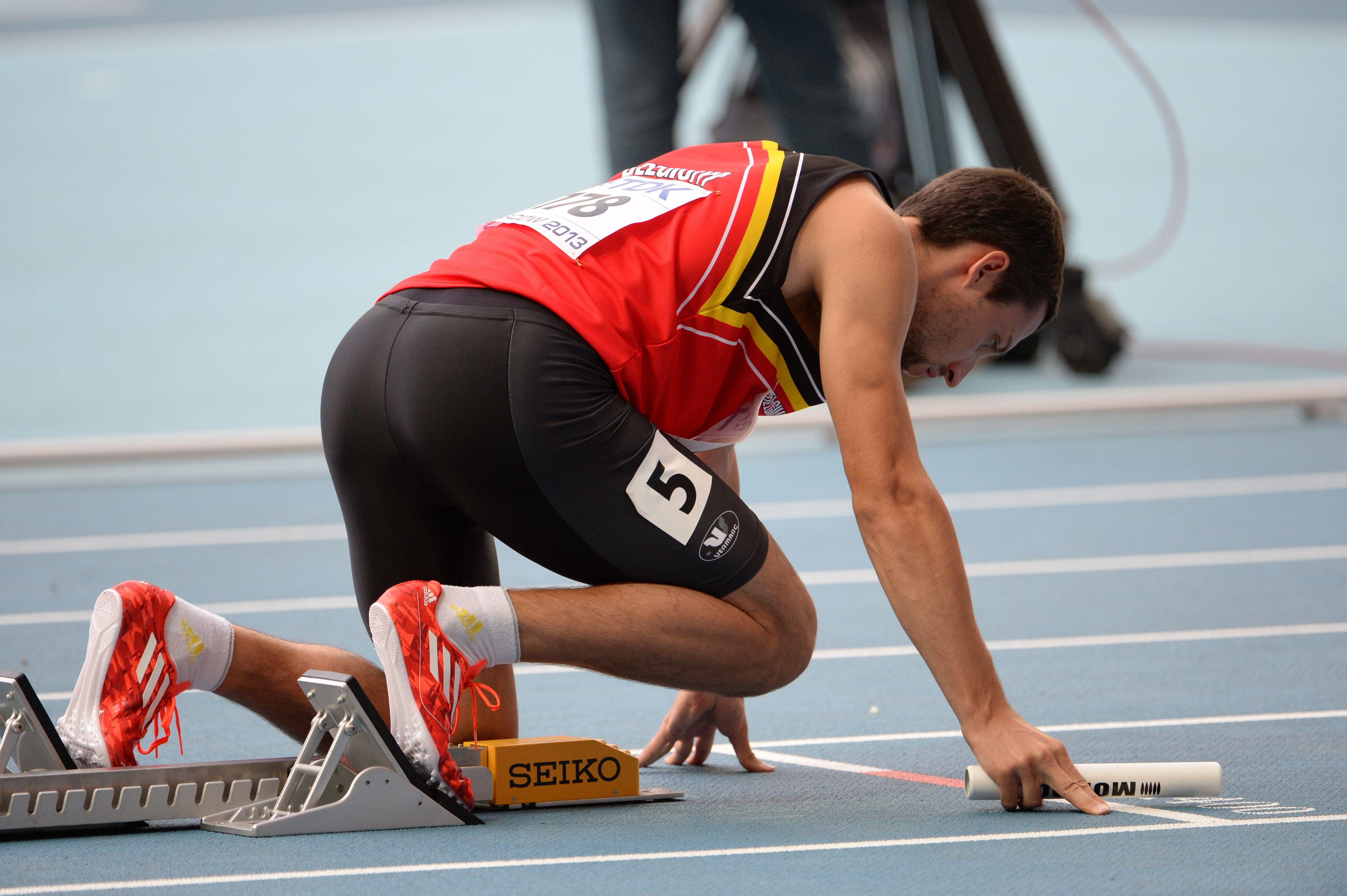 Antoine Gillet au départ de 4x400 pour la Belgique